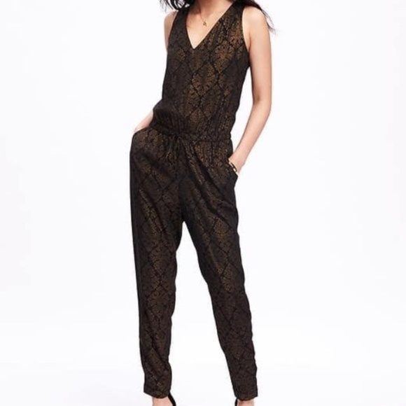 d3d19933d63a Gold   Black Sleeveless Jumpsuit. M 5ab3bf79daa8f6bbe076c6fa